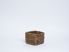 square basket, large braid