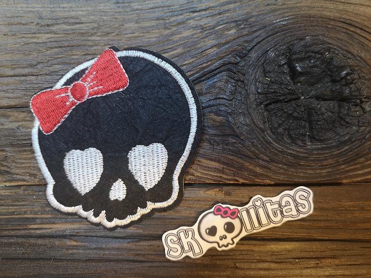 Skull schwarz 7.5 x 8 cm