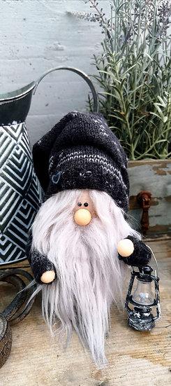 Sockenwichtel Samu mit grauem Bart & Laterne  Höhe 20 cm Durchmesser 7 cm