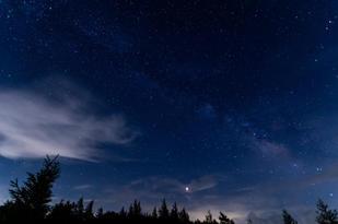 美ヶ原高原(物見石山レンゲツツジ群生地周辺)から見る星空