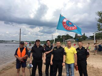 """""""Безопасная Волга"""" на городском пляже Волжского"""