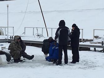 Профилактическая беседа с рыбаками на льду в Советском районе на Тулака