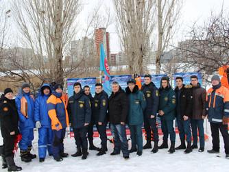 Показательные учения на льду для школьников Советского района