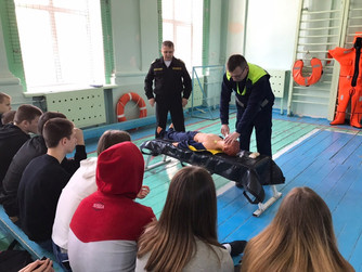 "Комплексное занятие ""180 секунд на спасение"" в школе №16 г. Волгограда"