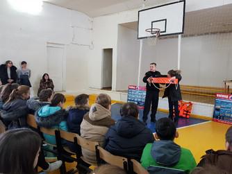 Профилактическая беседа в школе №5 г. Новоанниснкий