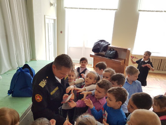 Профилактическая беседа в начальных классах в школе №6 г. Волжский
