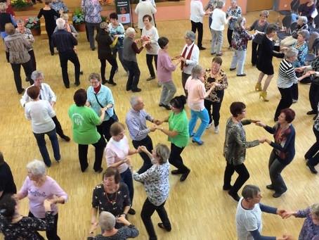 Erlebnistanz in geselliger Runde für Senioren