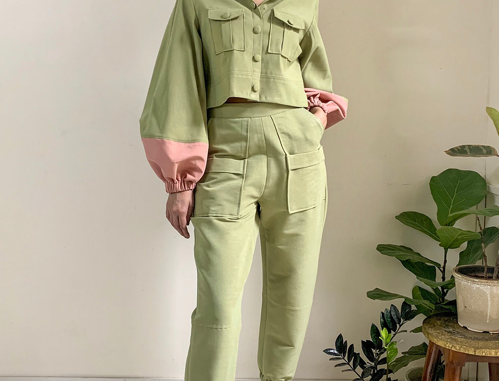 KANDY IN OLIVE