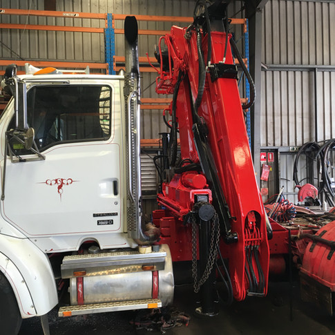 EPSILON logging crane on prime mover 6x4