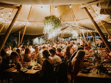 7 Perfect Wedding Dinner Songs You've Never Heard