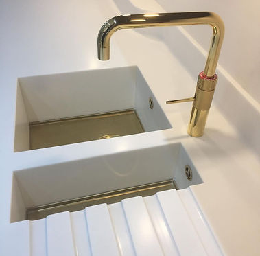 Axix sink, with gold base and Gold Quook