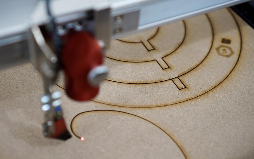 Flâneuse_Laser_Cutting