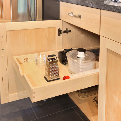 Maple Kitchen pullout