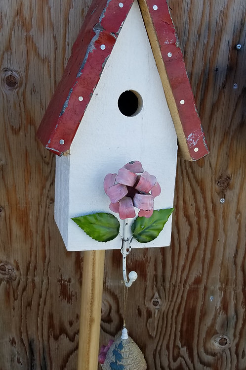 Birdhouse, Pink Flower Hook