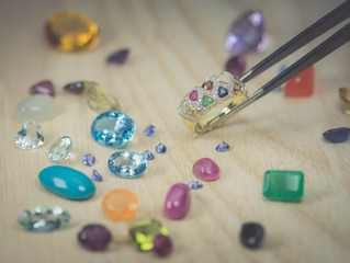 How to buy color Gemstones?