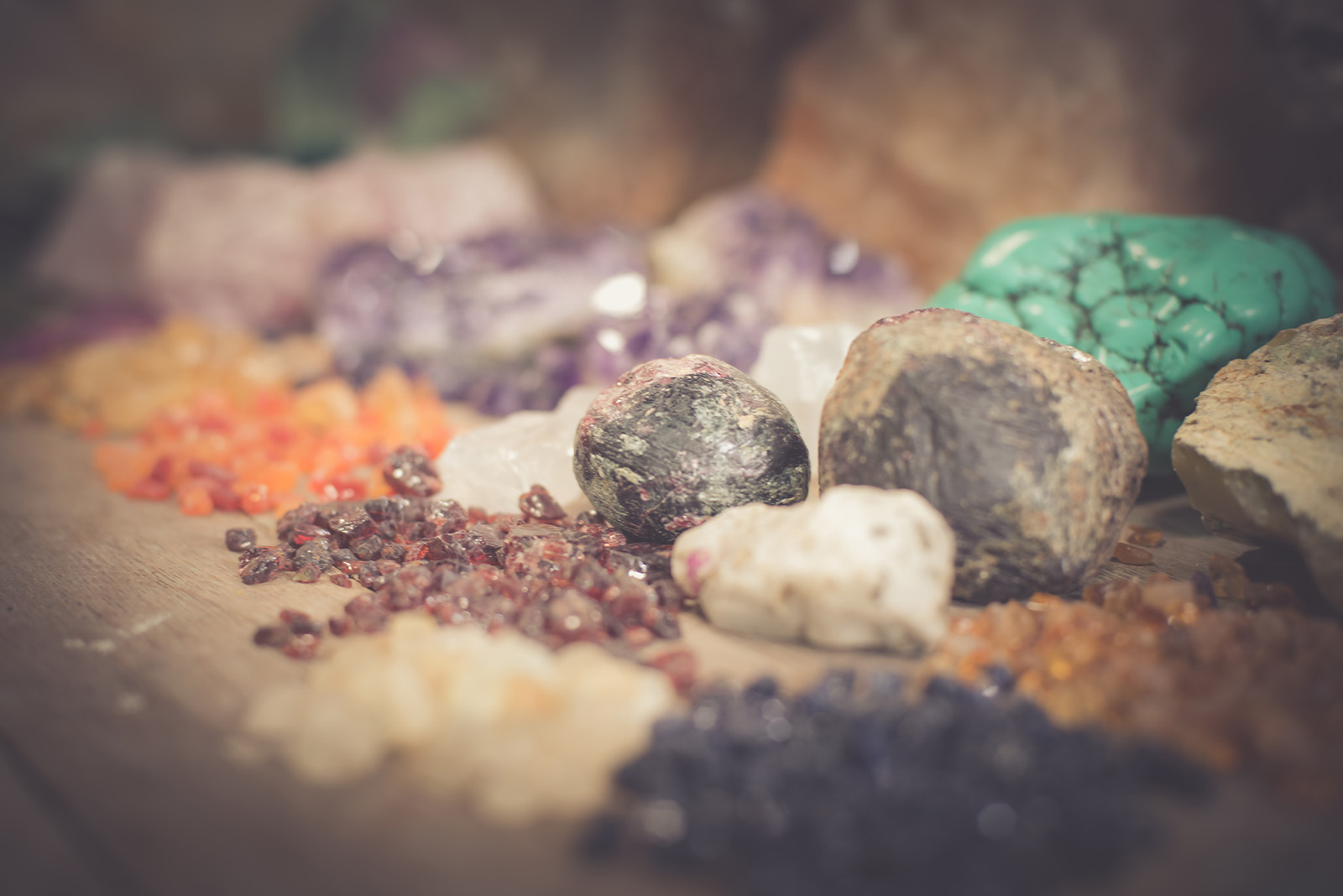 Varieties of rough gemstones