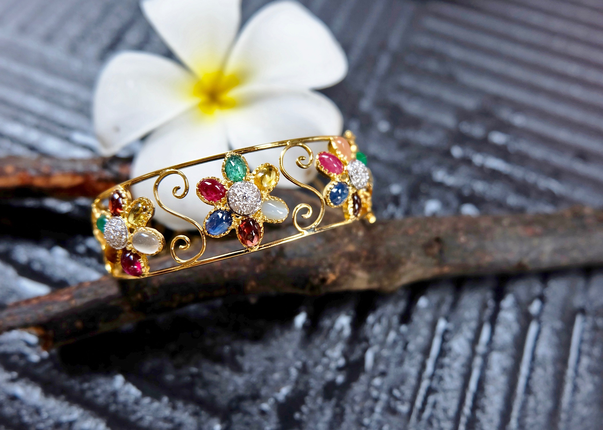 The Color of Gems Flower bracelet