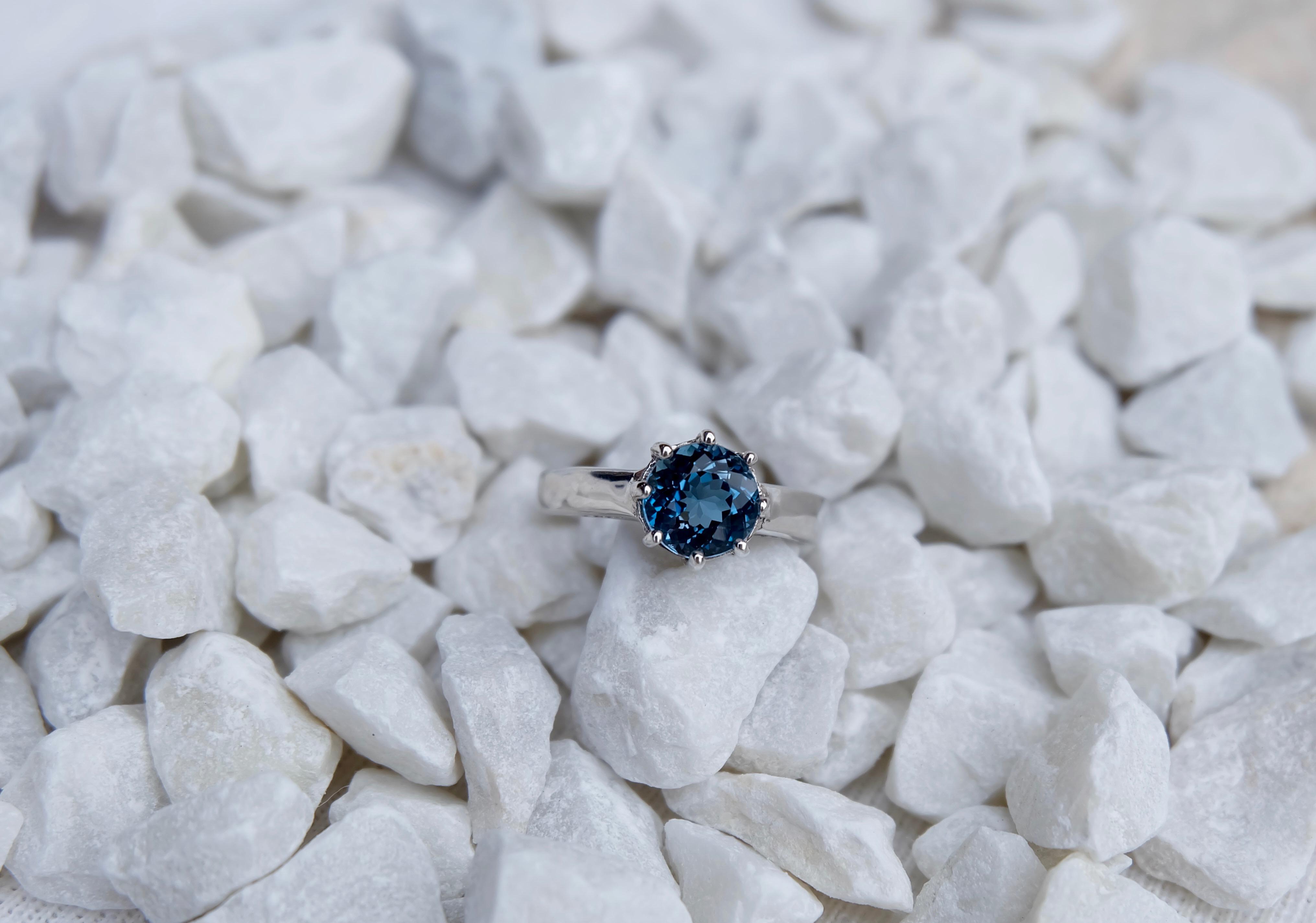 London blue topaz in Silver 92.5%