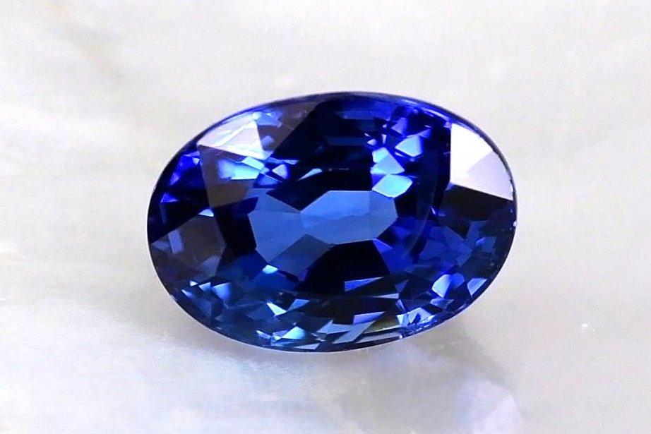 Grade AAAA Vivid Blue Sapphire