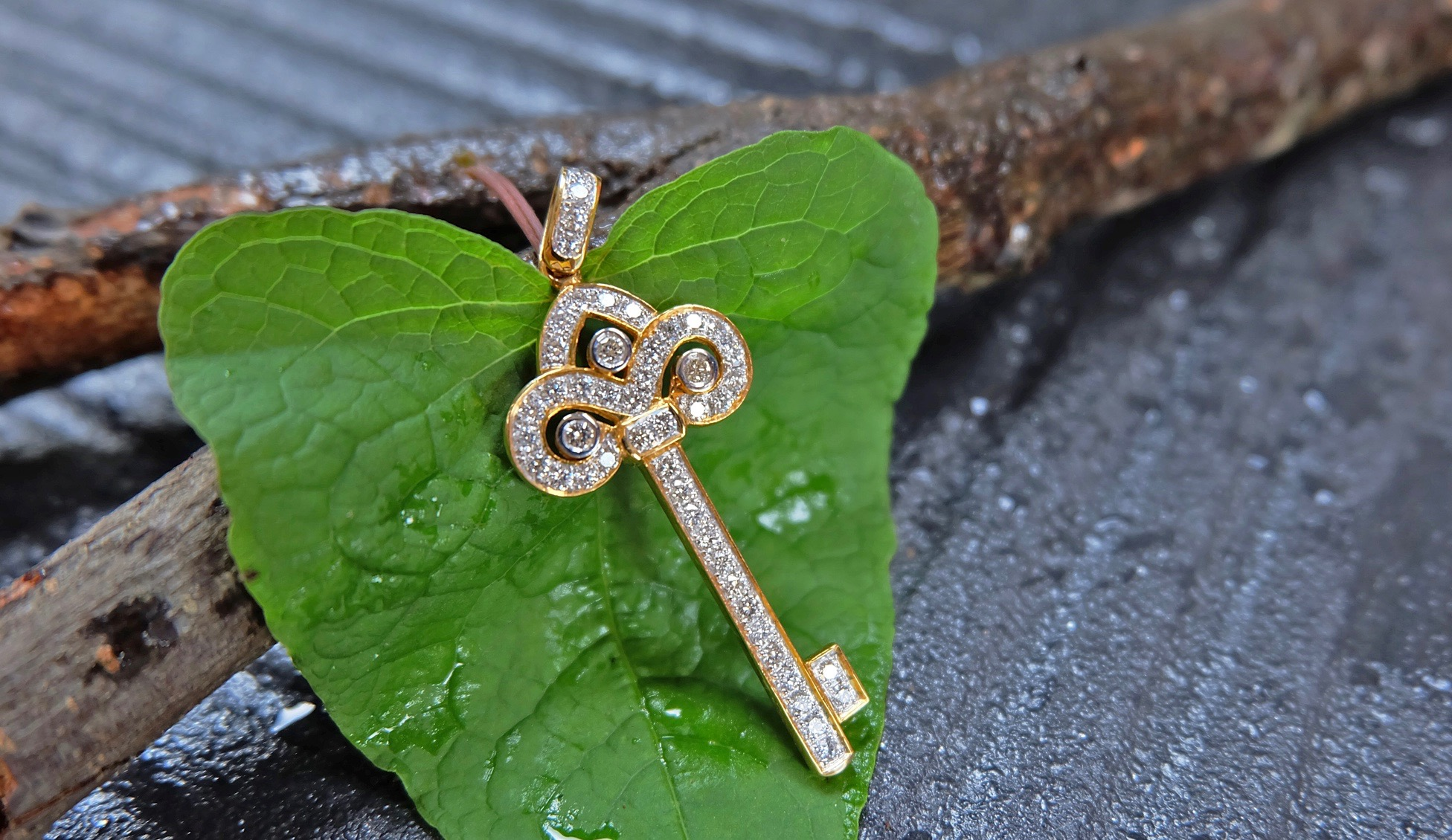 Key of love pendant