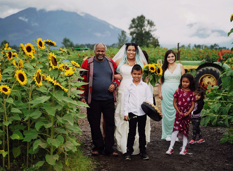 Elope In The Sunflowers 2018 at Chilliwack Sunflower Festival