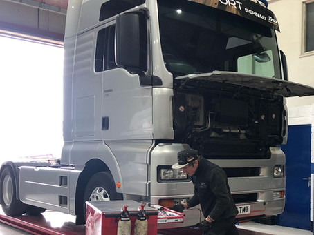 Preparing our MAN TGA tractor unit