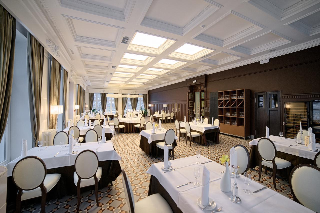 Ресторан-SCHLOSS-HOTEL-YANTARNY-ЯНТАРНЫЙ