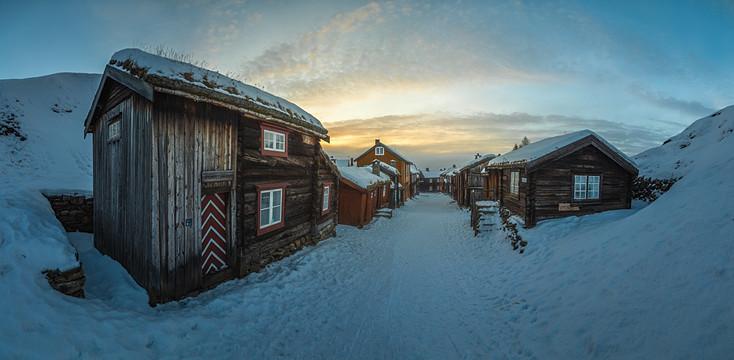 Panorama of Røros under snow