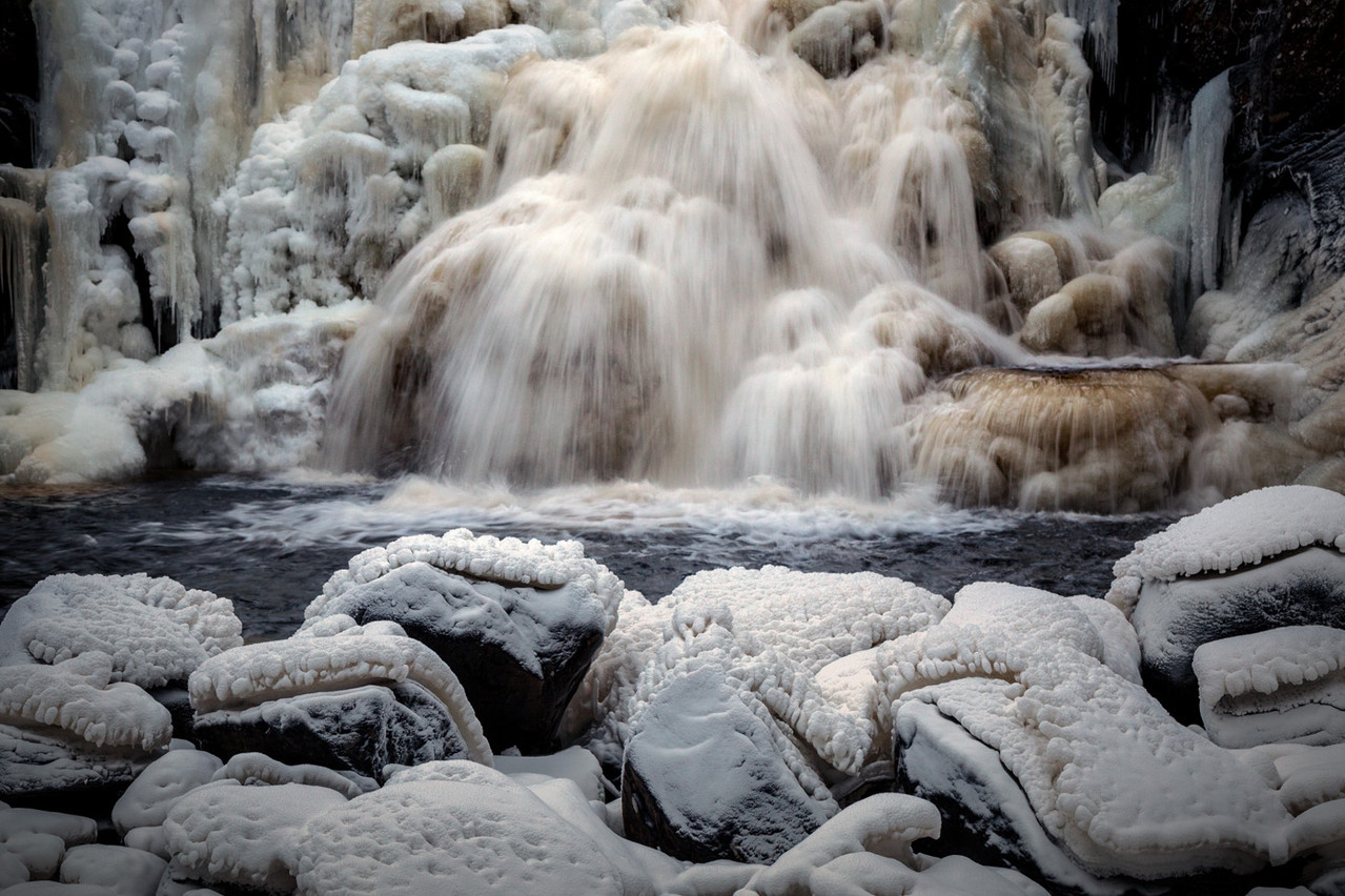 Winter time by Mettifossen