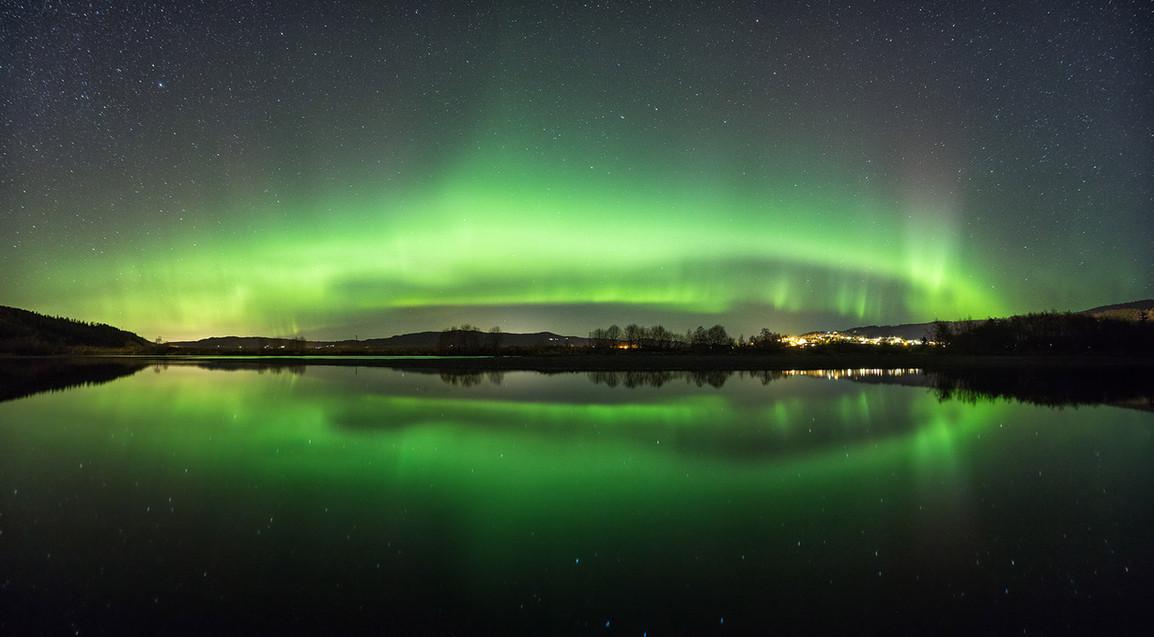 wall aurora.jpg