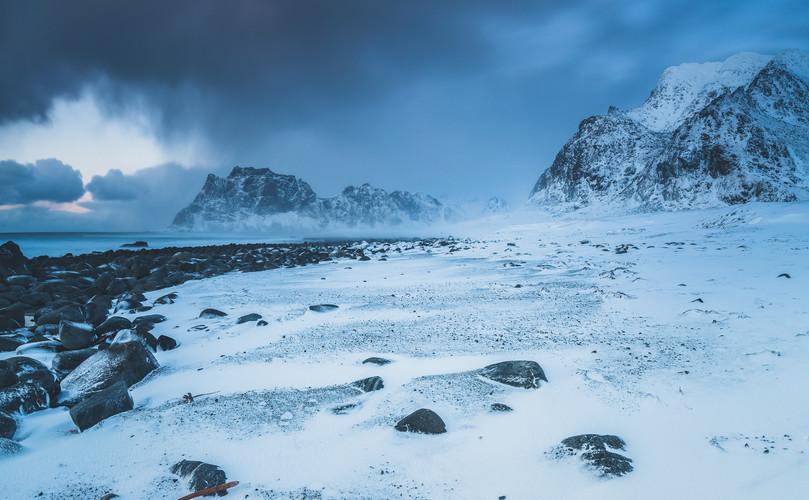 Wintertime on Utakleiv beach