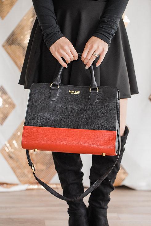 HOLDING BAG FINGERS.jpg