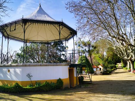 | Sugerimos-lhe uma visita ao jardim do Castelo de Abrantes