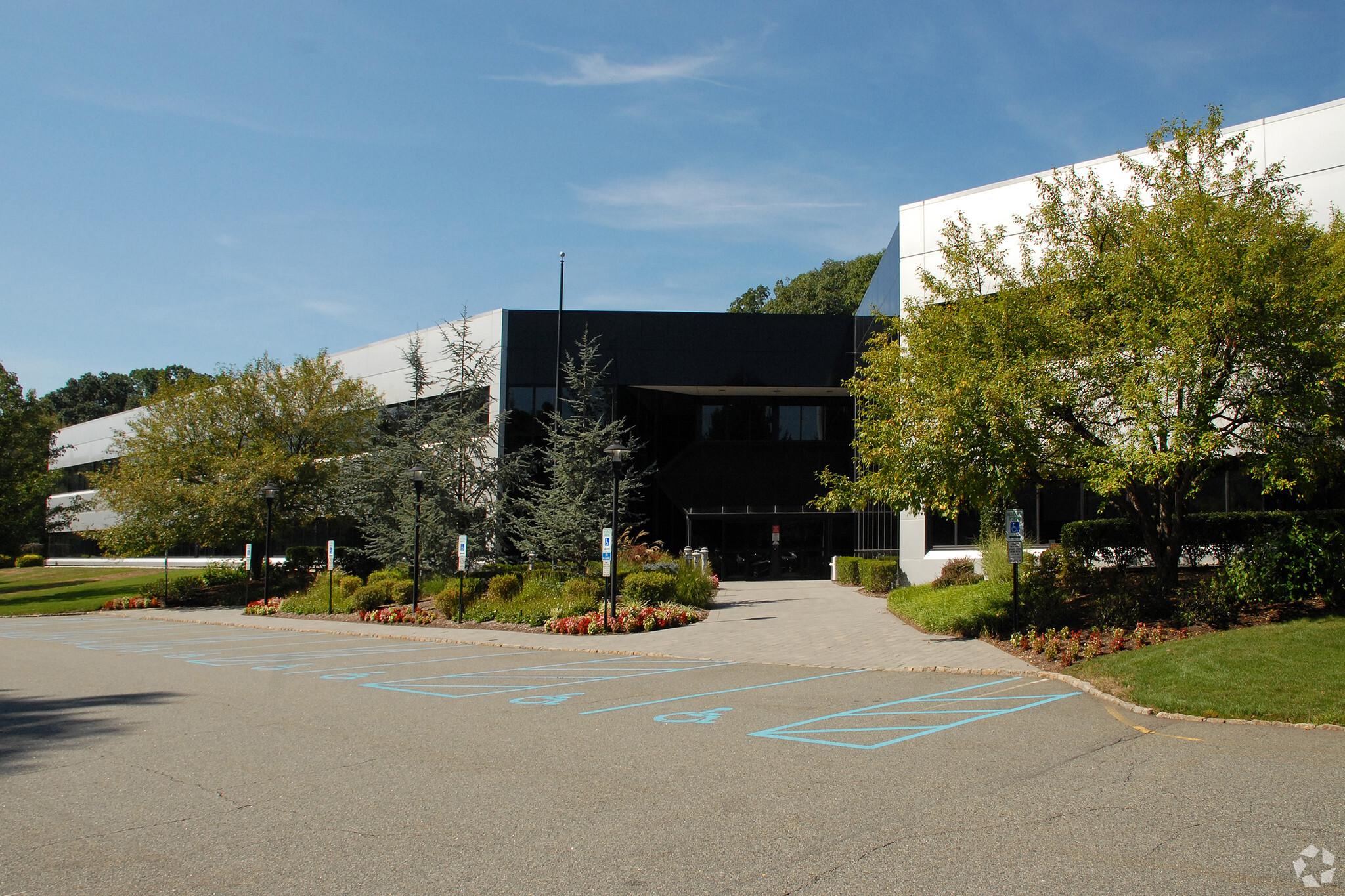 50 Chestnut Ridge Rd., Montvale