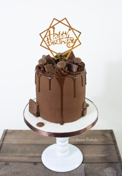 Vegan Chocolate Drip cake