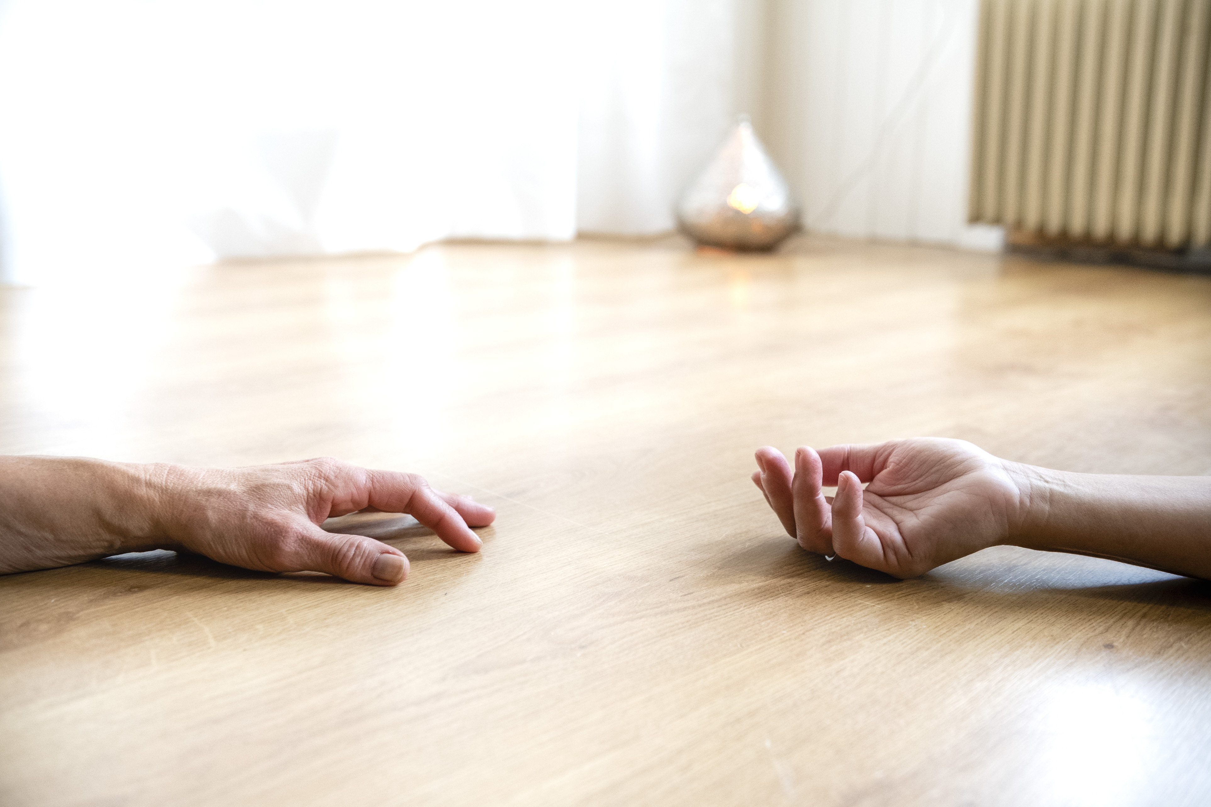 Ontspannen handen Yin Yoga