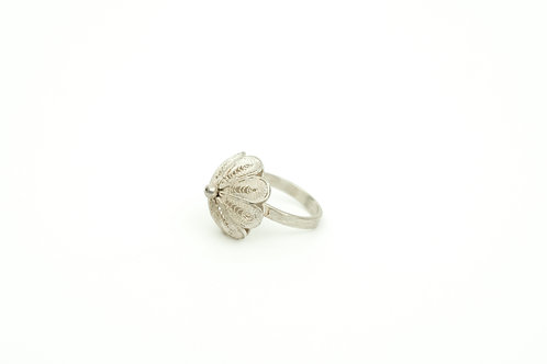 J32 – Hand made filigree ring