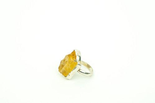 J36 – Hand made ring with Citrine quartz gemstone