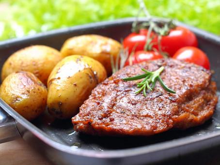 האם תחליפי הבשר הצמחוניים בריאים יותר מהדבר האמיתי?