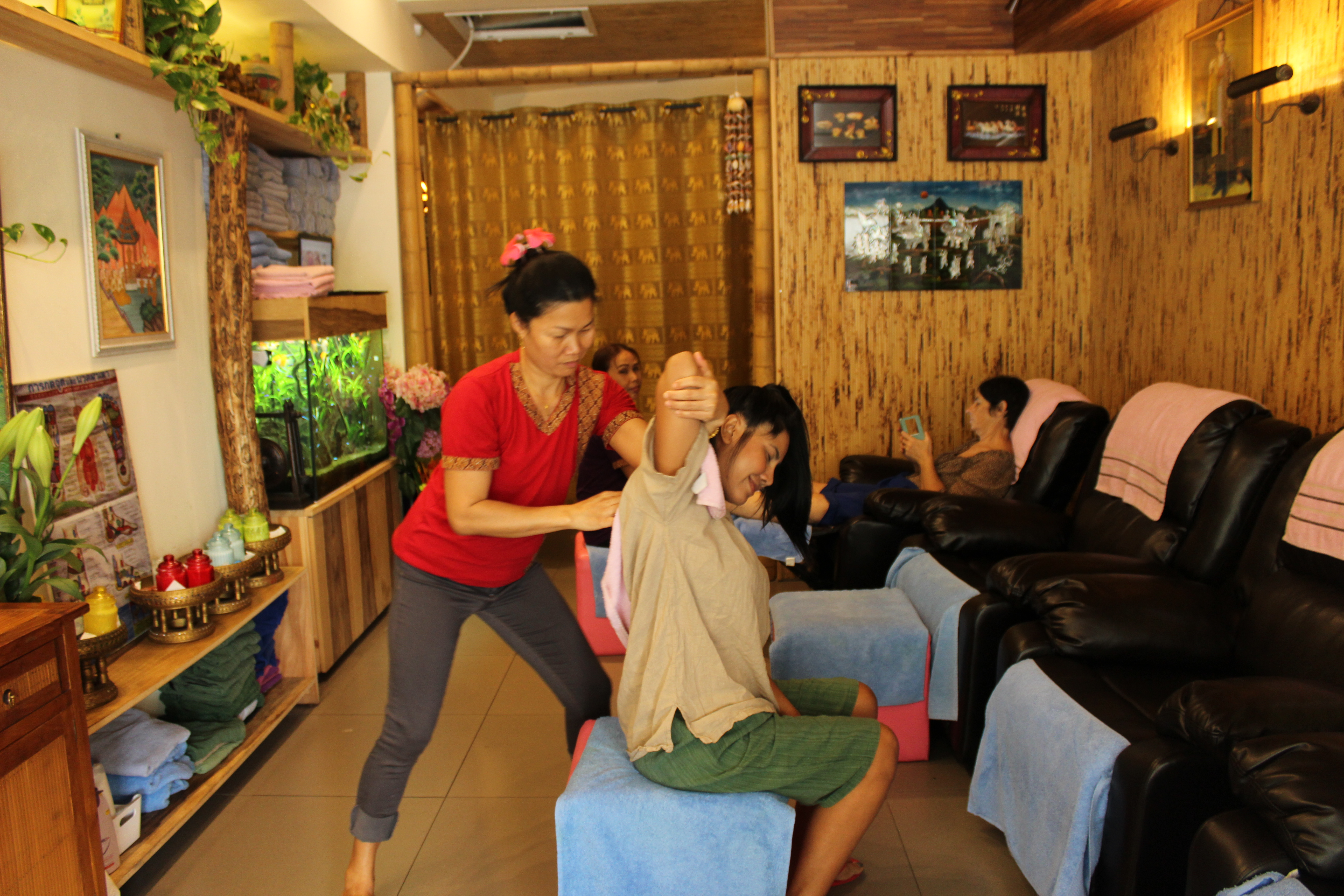 siam thai head & shoulder massage