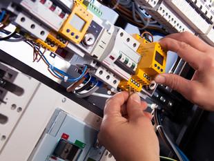 אחזקה ותפעול מערכות חשמל