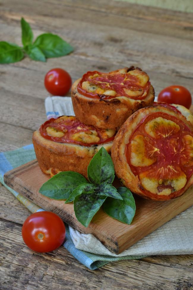 Savory Tomato Basil Muffins