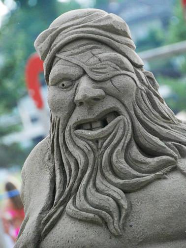 Sculpture-sable-sand-sculpture-lozza-pirate