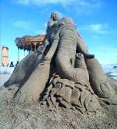 Sculpture-sable-sand-sculpture-lozza-elephant