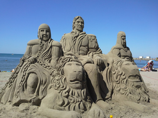 Sculpture-sable-sand-sculpture-lozza-cesar-emperor
