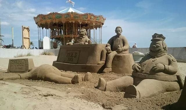 Sculpture-sable-sand-sculpture-lozza-simpsons