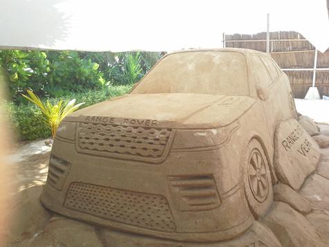 Sculpture-sable-sand-sculpture-lozza-range rover