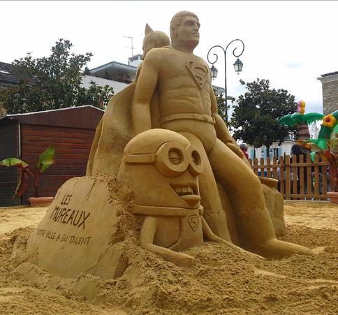 Sculpture-sable-sand-sculpture-lozza-batman-minion
