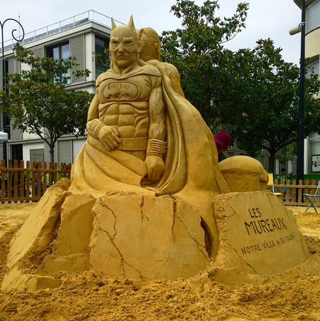 Sculpture-sable-sand-sculpture-lozza-batman