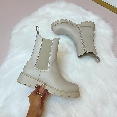 ELIZABETH Faux Leather Look Chelsie Boots